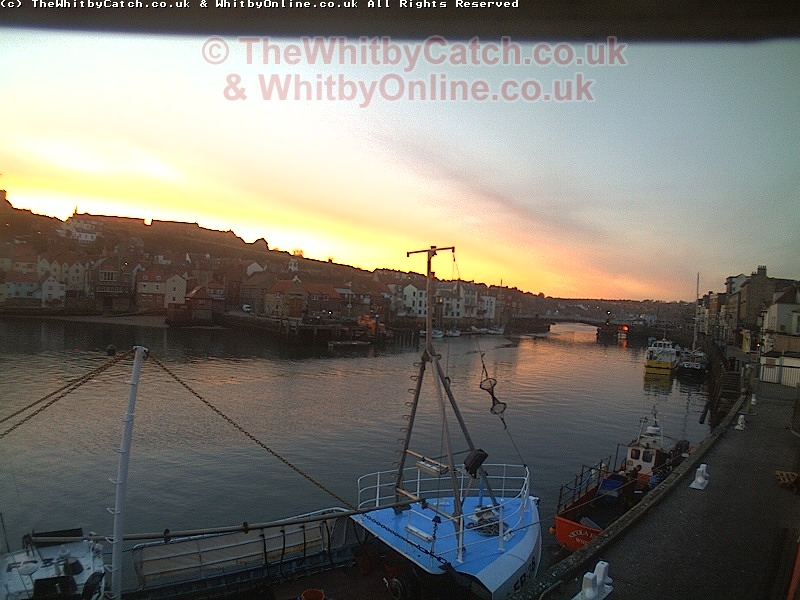 Whitby Sun 10th April 2011 06:10.
